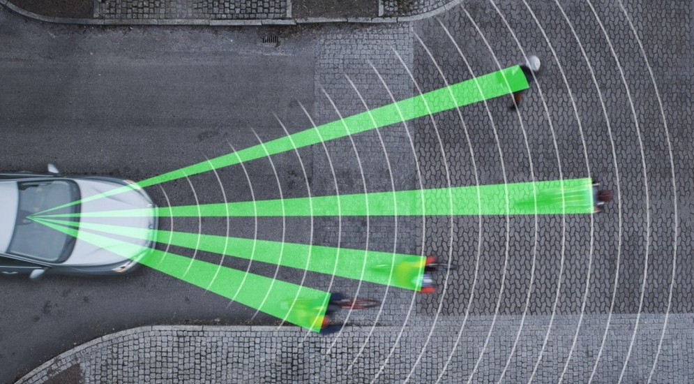1volvos-pedestrian-and-cyclist-detection-system--image-volvo_100421311_l.jpg